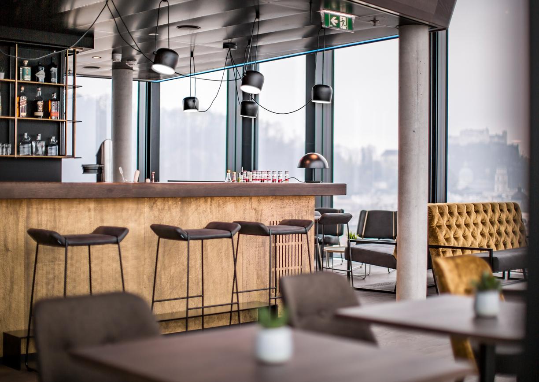 Arte Hotel Salzburg Rooftop Bar Innenansicht
