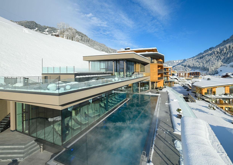 Das Edelweiss Mountain Resort Salzburger Land Winter Skiurlaub Hotel Aussenansicht