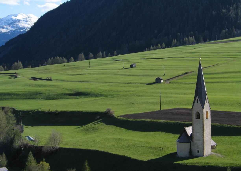 Gradonna Mountain Resort Kals Osttirol Hochzeit Maximilian Kapelle Aussenansicht