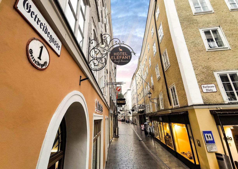 Hotel Elefant Family Business Salzburg Altstadt Getreidegasse Aussenansicht