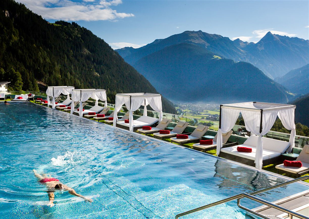 Stock Resort Hotel Tirol Sportbecken Pool