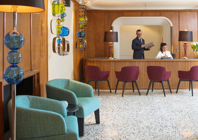 Hotel Stein Salzburg Innenansicht Lobby Rezeption